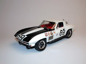 Exoto MTB00072 Corvette STINGRAY TEAM GULF 1967 SEBRING Miniatures 1:18