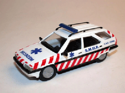 Mini-route 100 CITROEN BX SAMU SMUR Miniatures 1:43