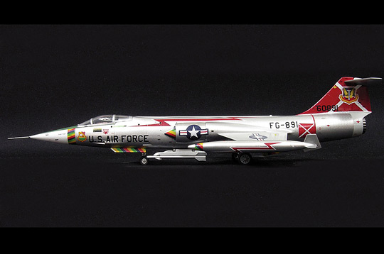 Schuco 3555046 F-104C 479TH TFW USAF GEORGE AFB 1964 (SKY GUARDIANS) Miniatures 1:72