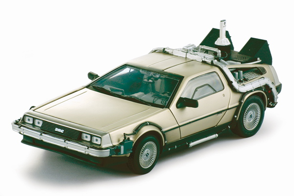 Sunstar 2710 De Lorean (Back to the Future 2) Die cast 1:18