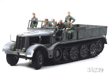 Tamiya 35239 HALF TRACK LOURS 18T FAMO Maquettes 1:35